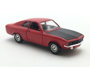 1/43 Solido Opel Manta 1971 Condition Near New Case Plastic
