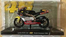 """DIE CAST """" APRILIA RSW 250 WORLD CHAMPION 1999 """" VALENTINO ROSSI 1/18"""