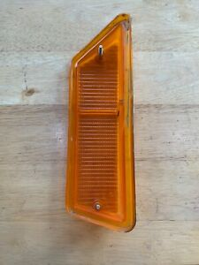1973-74 Triumph TR6 RH Right-Hand Front Marker Lamp Lucas L827  LENS ONLY-USED