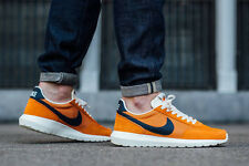 NIKE ROSHE DAYBREAK NM Running Trainers Gym Casual - UK 7 (EUR 41) Tuscan Rust