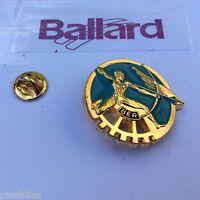 Pin's Folies *** Insigne Militaire Militaria Ballard A 521