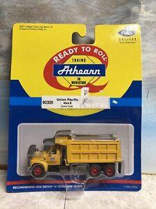 "1/87 HO Scale, Athearn Mack B ""Union Pacific"" Dump truck NIB"