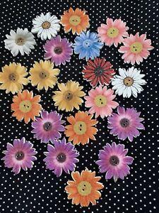 10x 25mm WOODEN FLOWER BUTTONS