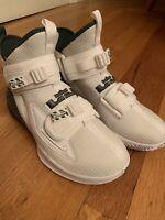 NIKE LEBRON SOLDIER 13 TB White Basketball Shoes BQ5553 102 Size 6.5 Boys