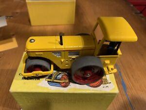 Véritable Rouleau compresseur Richier & Boite Dinky Toys Réf 830 90A années 1950