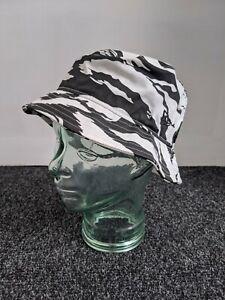 New Era Cap Men's Summer Essential Tiger Camo Black & White Bucket Hat - Size SM