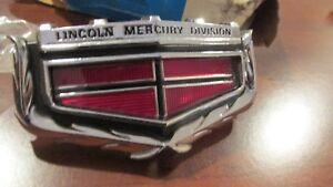 NOS 1971 1972 MERCURY MARQUIS MONTEREY COLONY PARK GRILLE GRILLE EMBLEM ORNAMENT