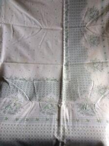 Vintage Tablecloth & 6 Matching Napkins ~ Delicate Green Floral Design