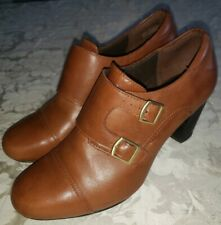 Clarks Bendables Size 9.5M Ankle Booties Shoe Brown Leather Slip On Heel Womens
