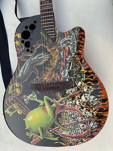 "Ovation Gitarre - Demented Series ""Bone Yard"" Design"