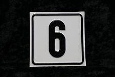 Haus Nummer 6 Schild