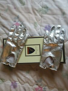 BRAND NEW ASPINAL OF LONDON LUXURY SILVER LEATHER GLOVES