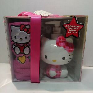 Hello Kitty Lotion Pump And Fingertip Towel Gift Set Authentic Sanrio 2012