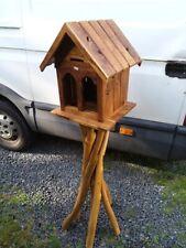 Traditional Garden Wooden Table autoportante Oiseau Mangeoire Mangeoire Oiseaux Maison