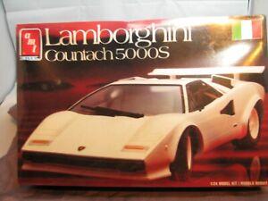 AMT  ERTL LAMBORGHINI 1/24 scale Model kit #8686 MIB!