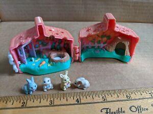 Vintage 1995 Tonka Littlest Pet Shop Picnic Basket Bunny Playset w/ Four Bunnies