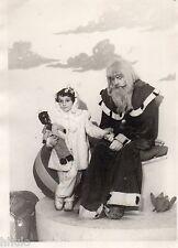 C255 Photographie vintage original Père Noël St Nicolas poupée noire