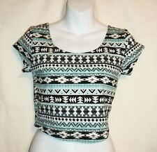 NWT Womens Juniors CHARLOTTE RUSSE Black White Aqua Tribal Shirt Crop Top Medium
