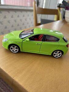 ALFA ROMEO GIULIETTA 1/32 SCALE  CAR MODEL DOORS OPEN
