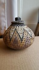 Round table Basket with lid Woven Rattan symmetrical patterns of shades of brown
