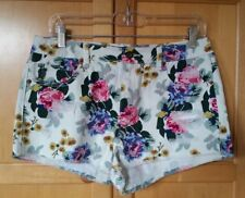 FOREVER 21 Premium Denim Floral Print Distressed Cut-off Short Shorts Sz 29 NWT.