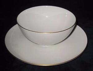 "KPM Porcelain Berlin URBINO Decor 05 Gold Rim Gravy Sauce Boat & Underplate 8"""