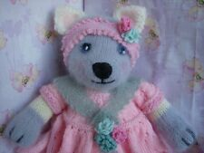 Mrs Pitty-Pat Kitten Cat (with kittens) -  Easy Soft Toy Knitting Pattern