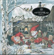 Outdoor Santa kids with present outside the cabin Lunch Napkins