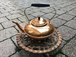 Tee Kessel alt -  Kupfer -  Kamin- Gießkanne-Wasserverdunster (ohne Untersetzer)