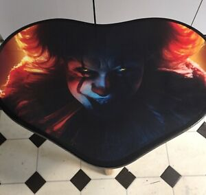 Pennywise IT Heart Shape Resin coffee table. Great gift idea for the horror fan