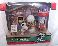Peanuts MINI FIGURE SET  A Charlie Brown Christmas Play Stage Snoopy - mib