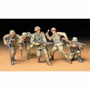 TAMIYA 35196 German Front-Line Infantryman 1:35 Military Model Kit Figures