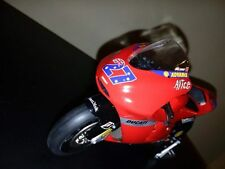 DUCATI CASEY STONER 2007 1/12 WORLD CHAMPION