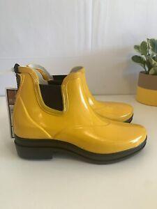 Ariat Chelsea Boots Rubber Barn Boots Rain Boots Muckers Women's 7 Yellow