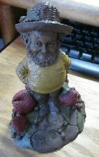 Tom Clark Gnome Shorty Figure #1046 Edition 88 W/Strawberries Coa Euc