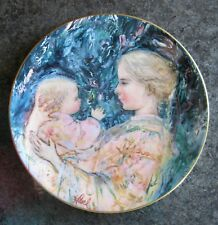 Hibel Kristina & Child Royal Doulton 1975 3rd in Series, Collector Plate