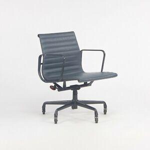 1999 Herman Miller Eames Aluminum Group Management Desk Chair in Blue Leather