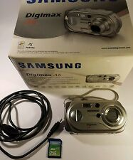 SAMSUNG Digimax A6 6.0MP Fotocamera Digitale-Argento