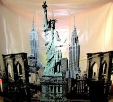 NEW YORK STATUE OF LIBERTY PLASTIC SHOWER CURTAIN AND HOOKS