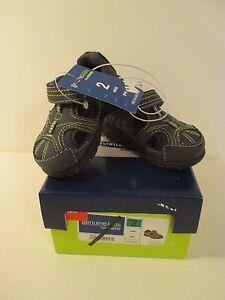 NIB Boys Genuine Kids OSHKOSH Infant Baby Gray Adriel Sandals~Size 2