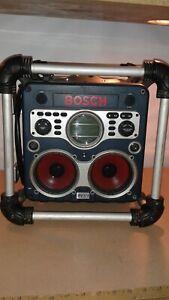 BOSCH POWER BOX PB 10-CD /CD CLOCK/AM/FM/RADIO/BATTERY 12V-24V BATTERY CHARGER