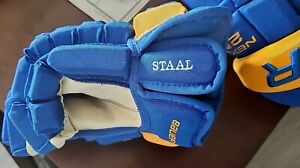 Buffalo Sabres Eric Staal Game Worn Used Hockey Gloves Royal Blue Bauer 2N 14
