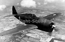 WW2 Picture Photo 1943 Thunderbolt aircraft in flight 1698