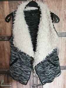 Weste Umhang Cardigan Fellweste Gr. 38 schwarz/weiß von Amisu