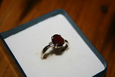100% Genuine Vintage 9ct Solid Gold Ring With Genuine Garnet and diamonds Sz 7