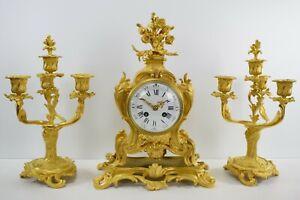 Vergoldete Bronze Pendule Kaminuhr Garnitur mit Leuchtern um 1890 Vincenti & Cie