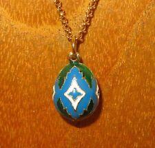 Esmalte Huevo Colgante Ruso Verde Azul y Blanco Motivo Dorado Cadena Regalo
