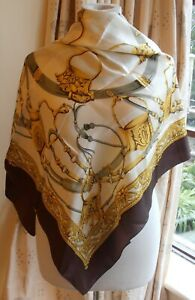 BEAUTIFUL LARGE PURE SILK EQUESTRIAN, HORSE RIDING THEME SCARF UNWORN IMMACULATE