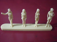 4   FIGURINES  GIRLS  SET  34  PADDOCK  FORMULE  1  VROOM  1/43  A  PEINDRE