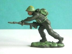 1 x VP. 1960's BRITISH ARMY INFANTRY SOLDIER (BRITAINS COPY). 1/32 SCALE UK